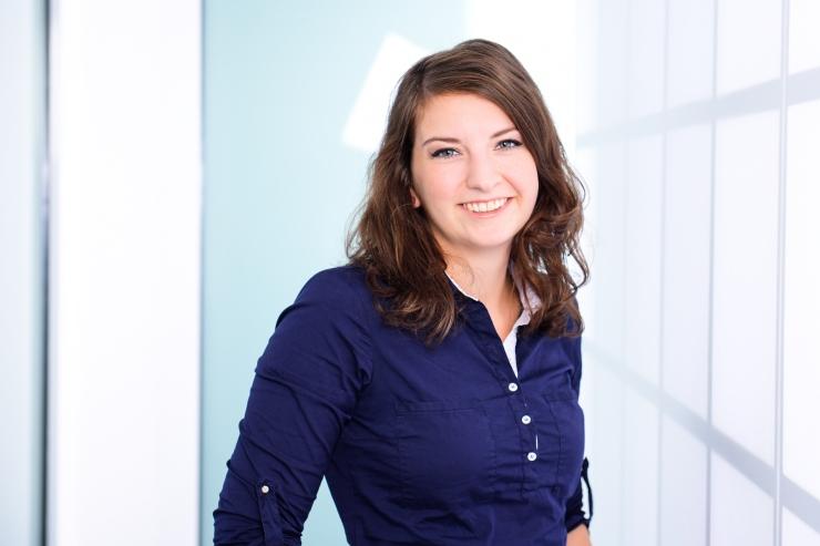 Denise Zwinkau, Zahnärztin